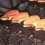 人気なたい焼きはどうして「鯛」の形をしているの? たい焼きのはじまりは東京から。